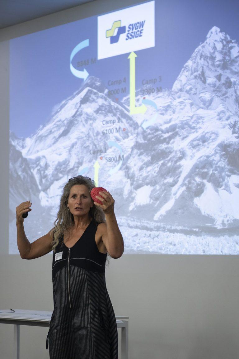 Motivational business Speaker Lene Gammelgaard opens Kick-Off on CO2 neutrality in the enegysector in Schwitzerland